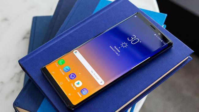 Prezentovan-gromadnyy-Samsung-Galaxy-Note9---data-vykhoda-kharakteristiki-cena-foto-gde-kupit-4.jpg