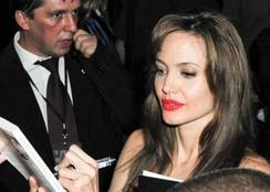 im244-Angelina_Jolie_25_July_2010_3.jpg