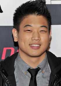 person_ki-hong-lee_1561960806_thumbnail.jpg