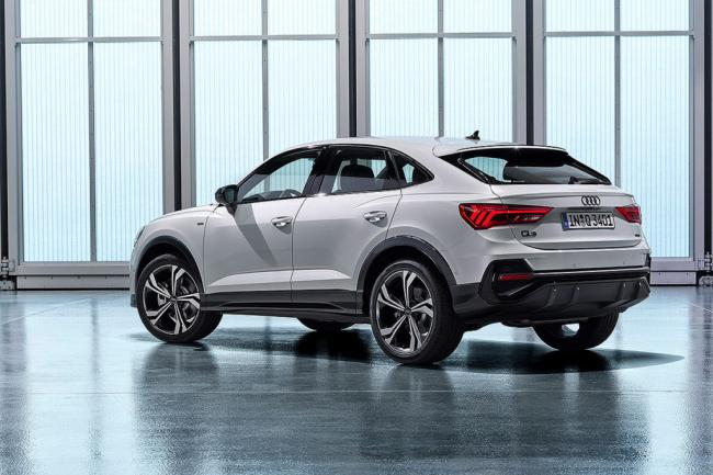 Audi-Q3-Sportback-2019-2020-фото-4-вид-сзади-1024x683.jpg